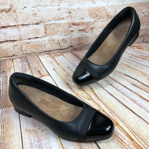 Clarks Artisan Black Leather Low Heel Shoes Loafer